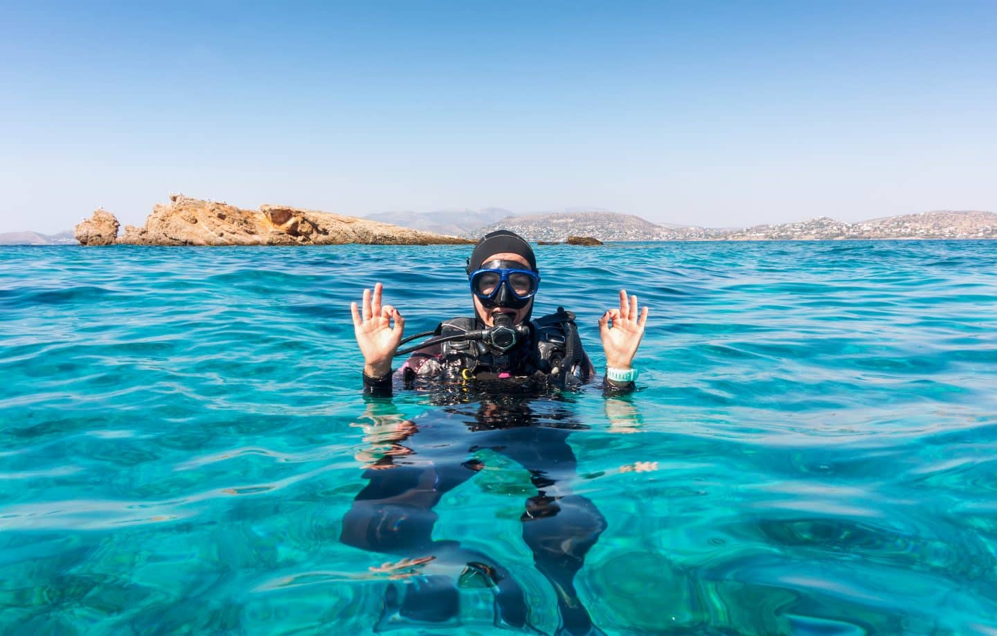 scuba-diver-relaxed-with-BCD